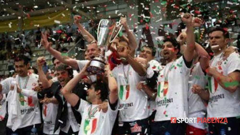 Dieci anni fa lo storico scudetto della Piacenza del volley