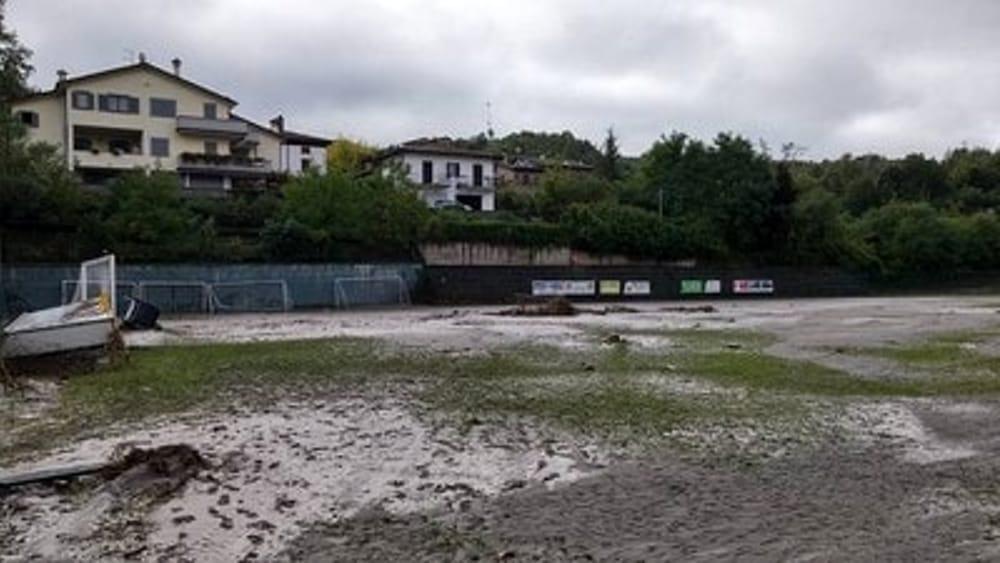 Le foto della devastazione del centro sportivo di Bettola (dal profilo facebook di Andrea Cattani)