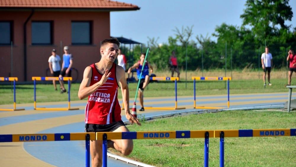 I ragazzi dell'Atletica Piacenza brillano nei test di allenamento certificato. Lorenzo Cesena vola nei 400 ostacoli