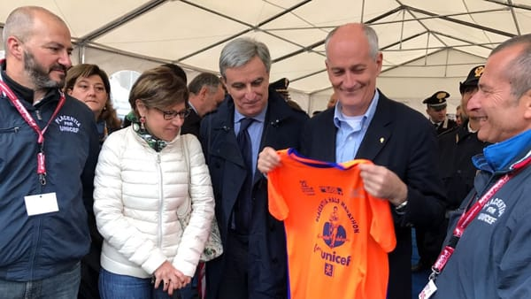 Franco Gabrielli, capo della Polizia, con l'onorevole Paola De Micheli e gli organizzatori Pietro Perotti e Alessandro Confalonieri-2