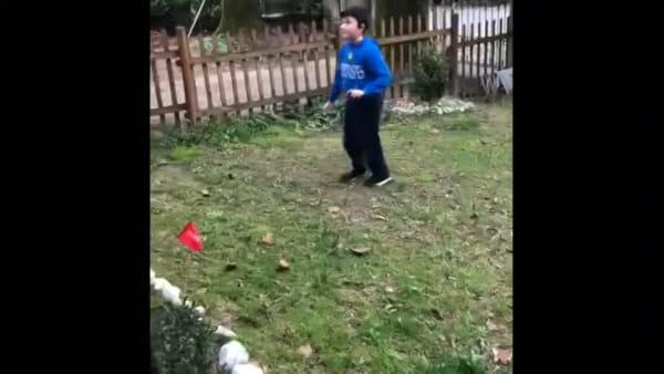 In camera, in cortile o in giardino: la voglia di giocare dei ragazzi della Libertaspes riassunta in un video
