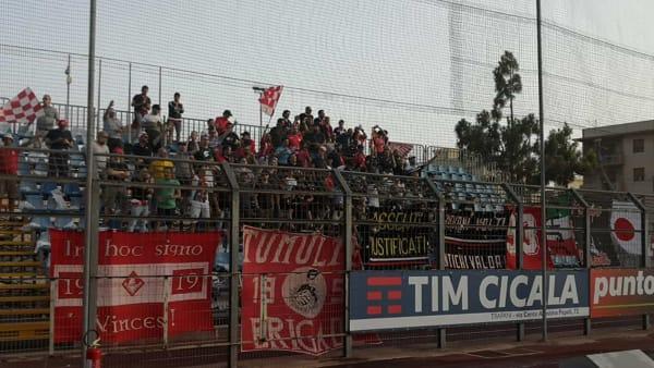 Trapani-Piacenza: la carica dei 200 tifosi biancorossi VIDEO