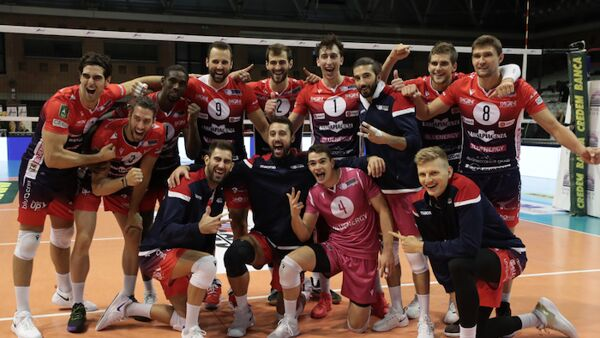 La Gas Sales Bluenergy inverte la rotta: l'esordio in Superlega contro Ravenna vale tre punti